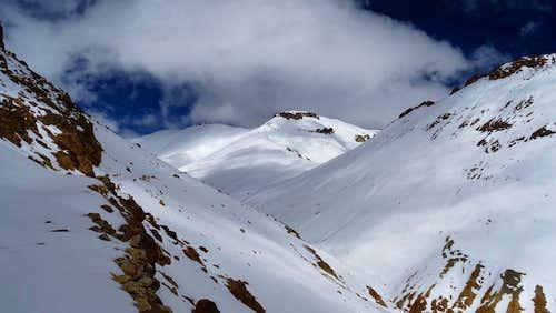 Alto Toroni, via the pass and west towards the summit