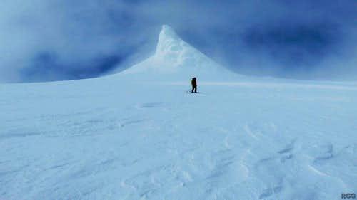 Jan skiing down Snæfellsjökull