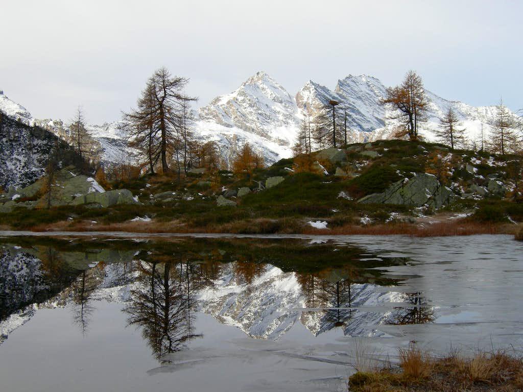 Autumn at Bellagarda Lakes (1)