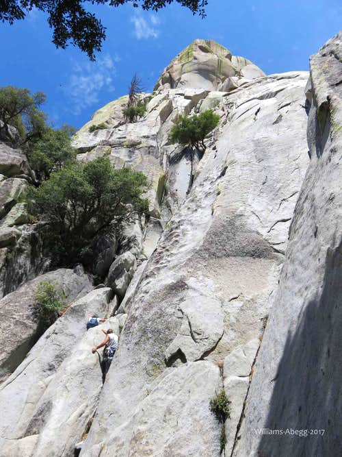 S Crack, 5.10, 7 Pitches