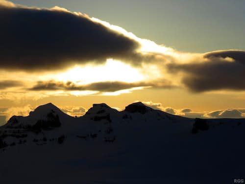Evening over Hrútsfjallstindar
