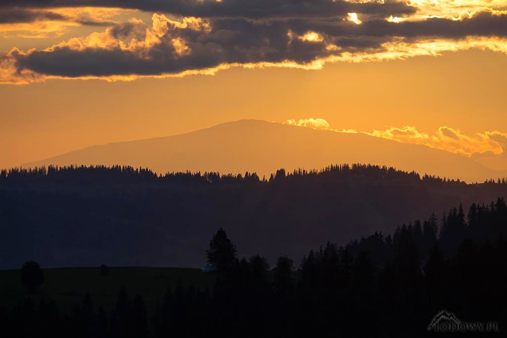 Mt.Babia Gora at sunset