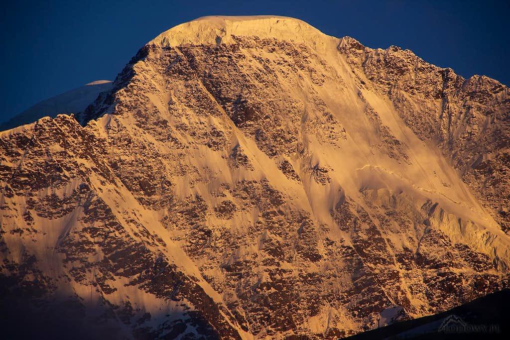 Mount Donguzorun - north face
