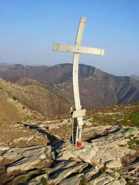 The Cross on top of Alpesisa....