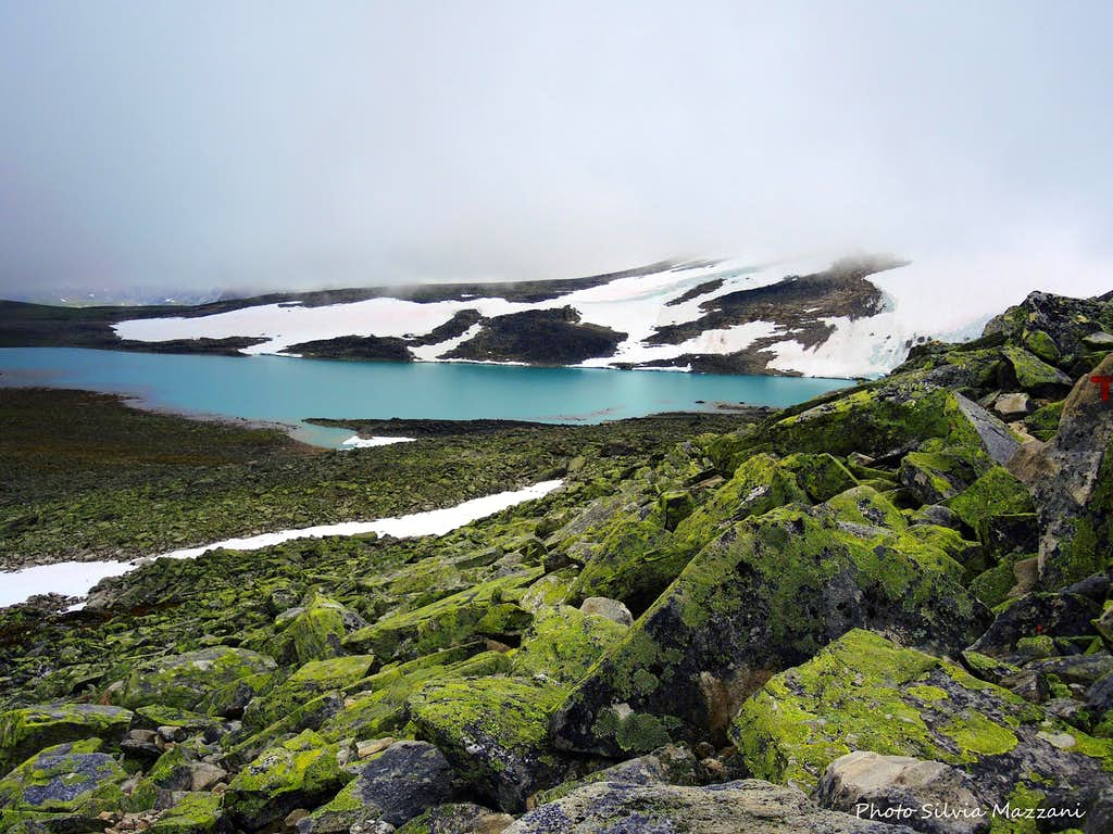 Lake on Snøhetta Normal route