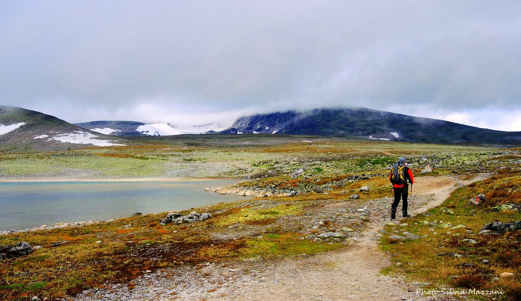 Snøhetta, start of the approach