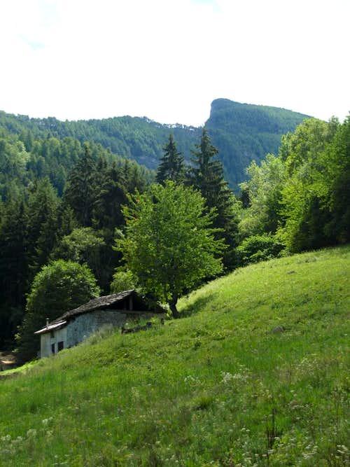 Pieiller-de-Sermoz below Mont Torrasse <i>(1854m)</i>  2017