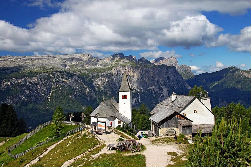 Santa Croce / Heiligkreuz sanctuary