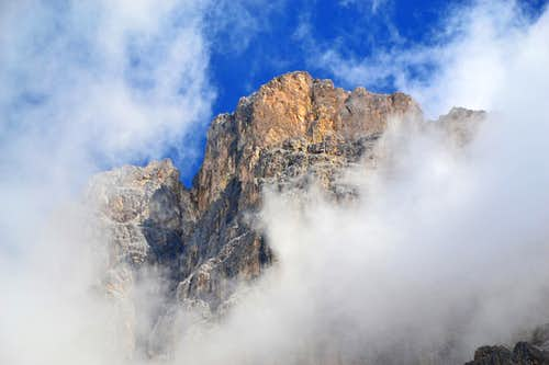 Dolomite walls and cloud