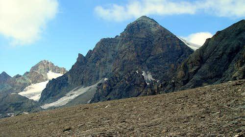 Aiguille Verte de Valsorey ...   an almost forgotten climb