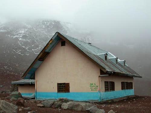 Refugio Whymper (5000m) on...