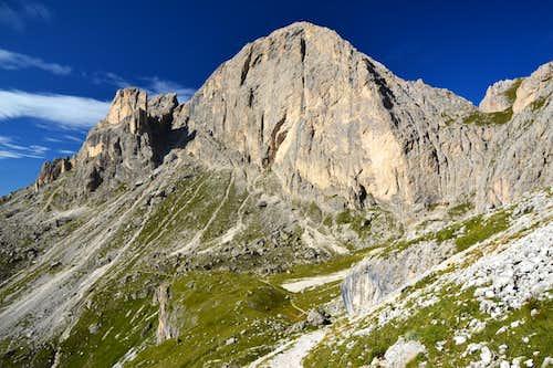 The east face of Roda di Vaèl