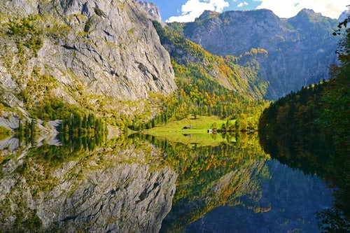 The Obersee lake in autumn