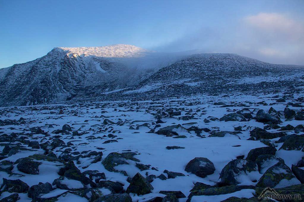 Mount Narodnaya