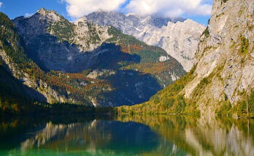 Obersee lake and Watzmann east face in autumn