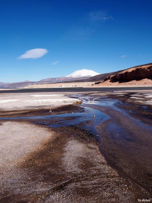Incahuasi across Laguna Verde