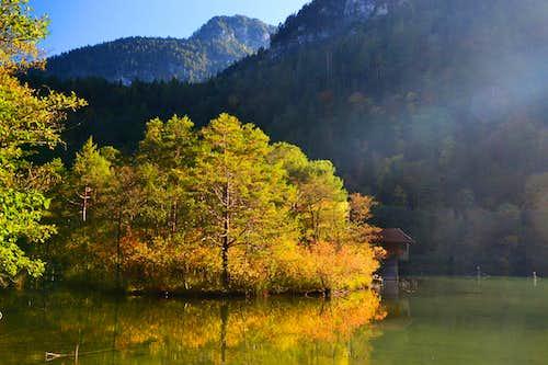 Autumn idyll at the Thumsee lake