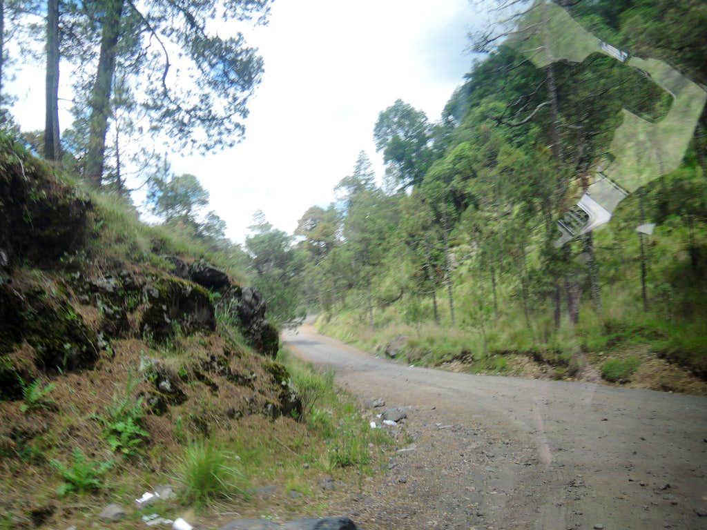 Road east of Paso de Cortes