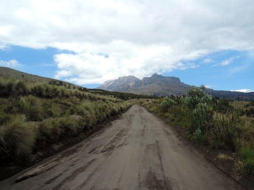 Road from Paso de Cortes to La Joya