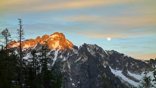 Sunset over Saska Peak