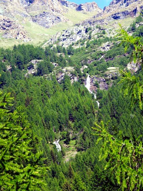 Planaval Cascade above the Valgisenche Doire 2017