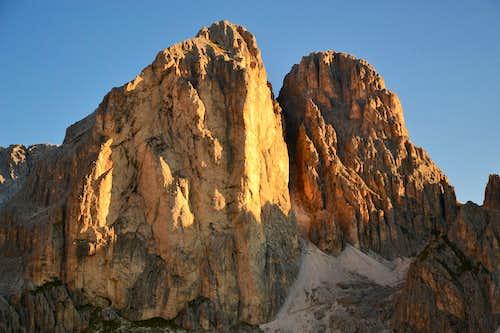 Mugoni (2750 m) in sunrise glow