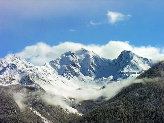 Il monte Paramont (3301 m.) e...