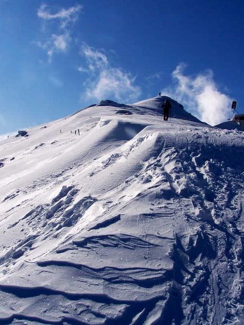 Winter ascent of Porezen