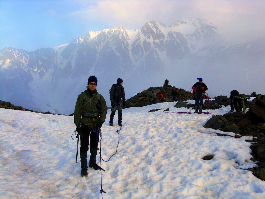 Enroping at the start of the Niederferner glacier