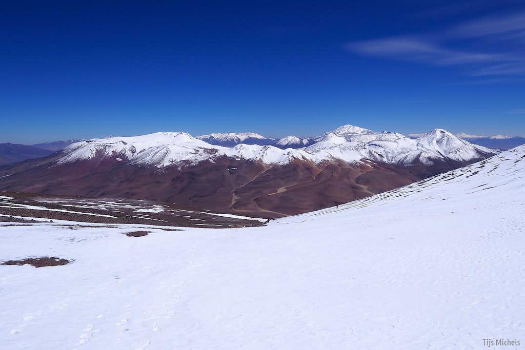 Falso Azufre (5889m) and Cerro Dos Conos (5865m)