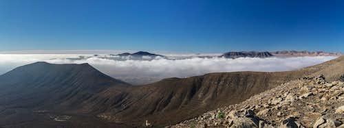 Clouds above the Tetir Range