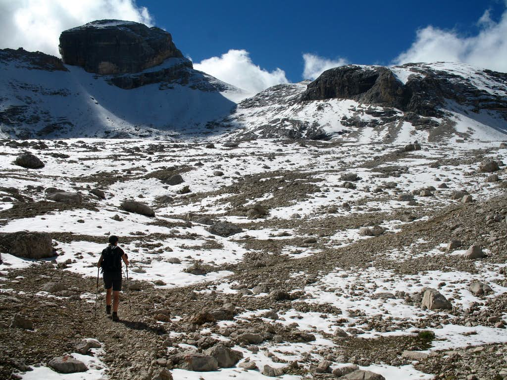 Lavarela. Summit of Piz dles Conturines seen on the left