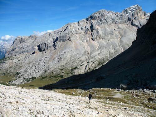 Lavarela. Descending the Busc da Stlu