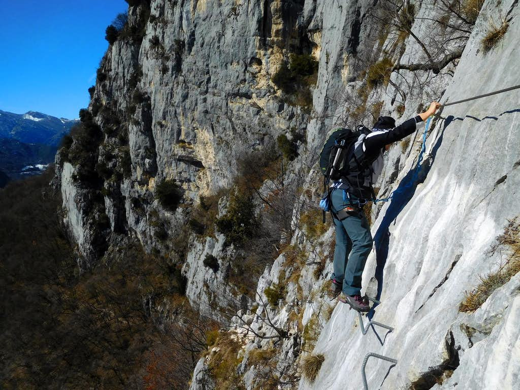 Traverse on Via Ferrata Foletti, Cima Capi