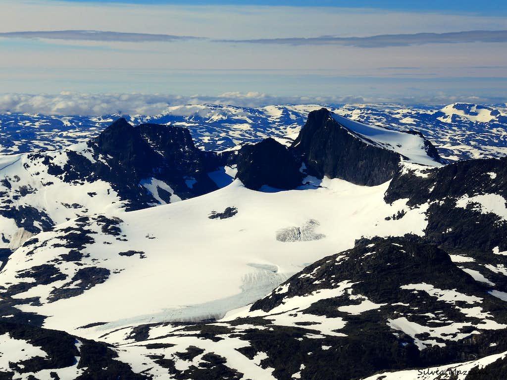 View high up on Uranostinden North ridge