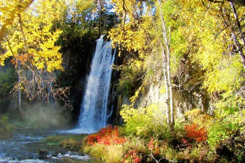 Nearby Spearfish Falls