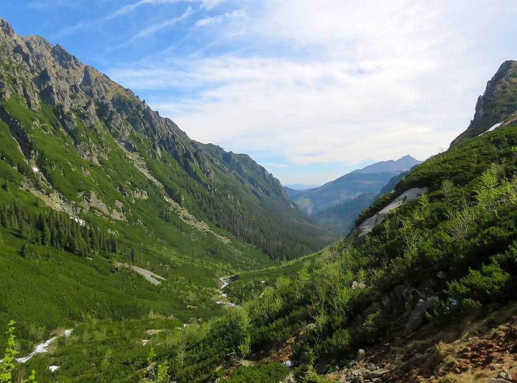 U shaped Roztoka Valley