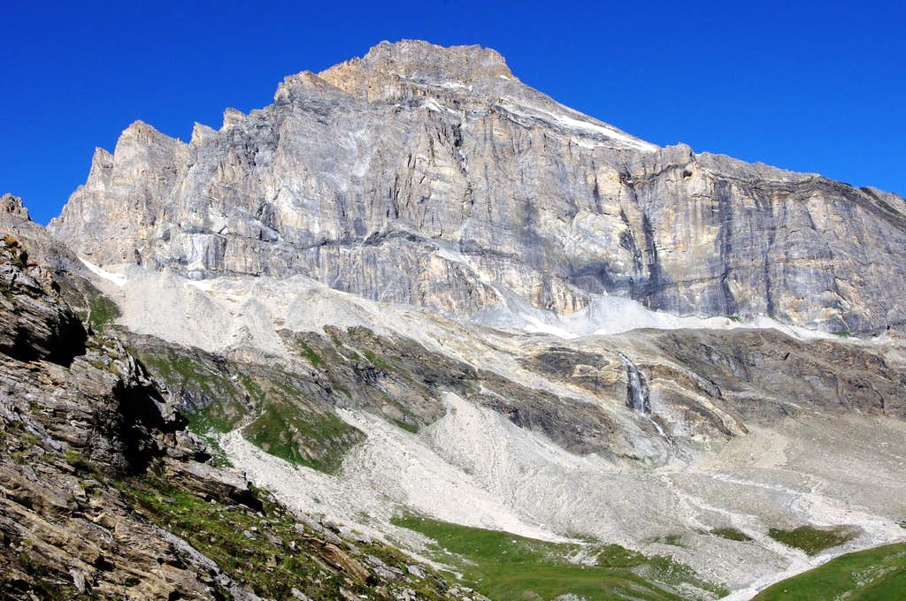 Eastern side of Granta Parei 3387m