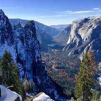 December snowshoe to Glacier Point
