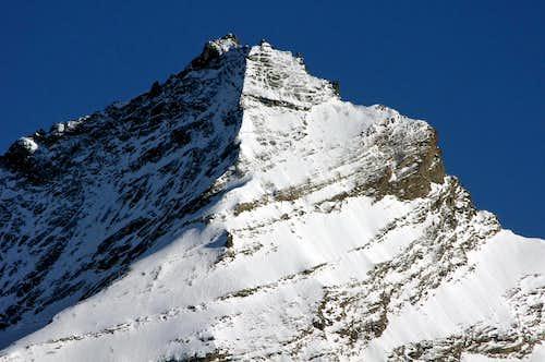 Zooming on the summit of La Grivola