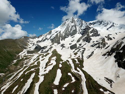 Mount Khalatsa