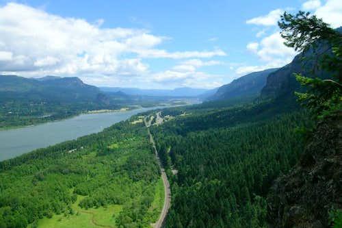 A Drive Through the Gorge