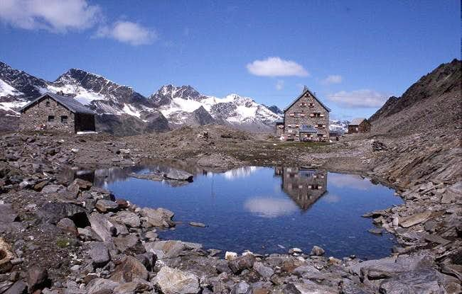 The Hochwildehaus (2883 m),...