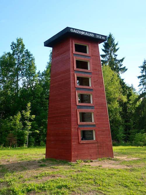 Small wooden tower on Gaiziņkalns