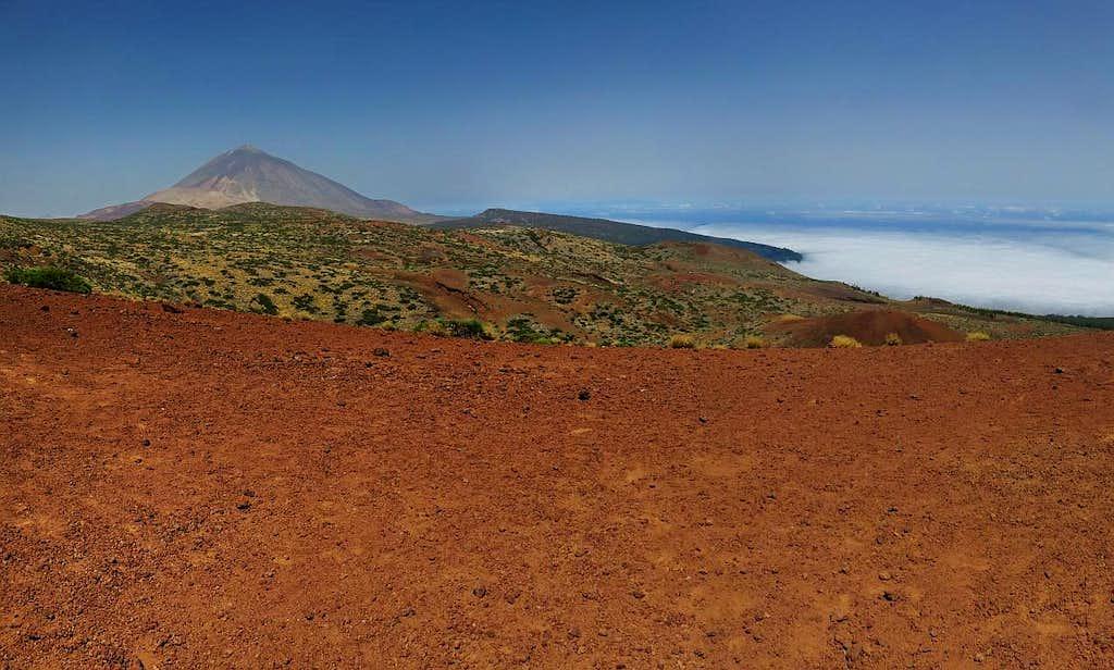 El Teide almost always above clouds