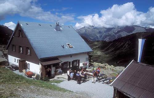 Frischmannhütte (2192m)...