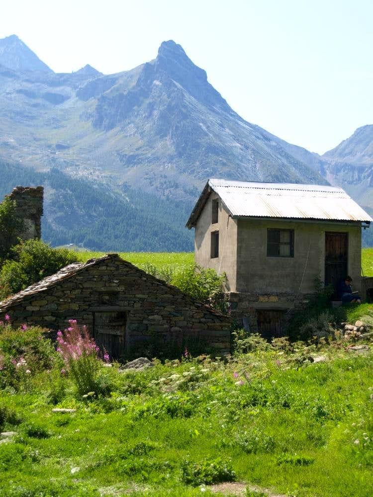 Grivola & Pousset from Tarabouc old Village