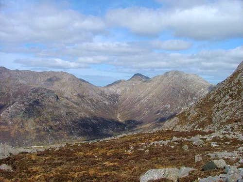 The shoulder of Derryclare,...
