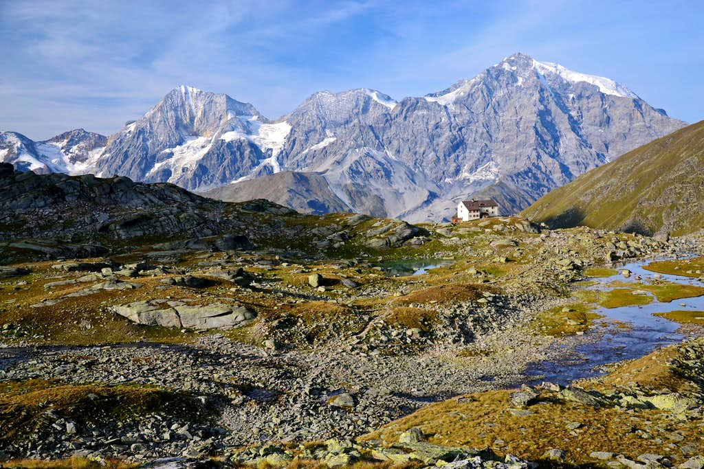 View to the main chain of the Ortler group