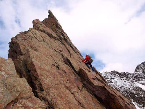 Tresero descent (variant: stay on the arrete)